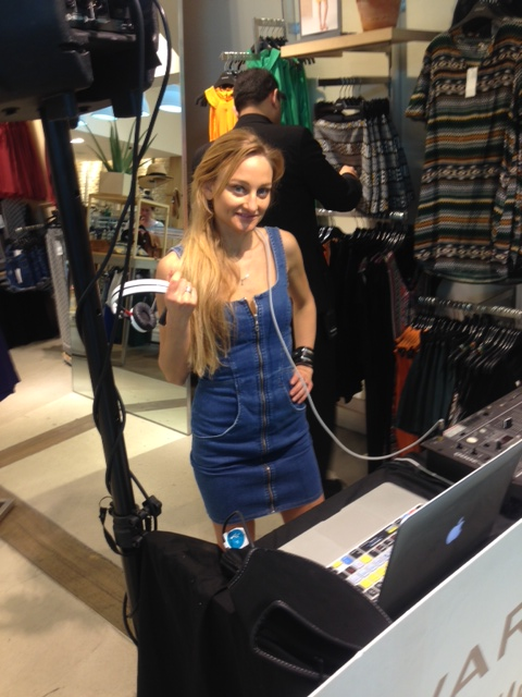 Female In Store DJ