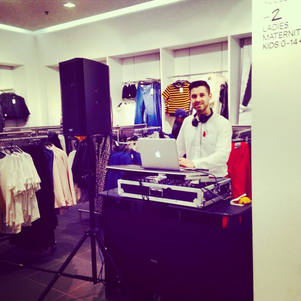 lCorporate Event DJ Bristol / In Store DJ Bristol